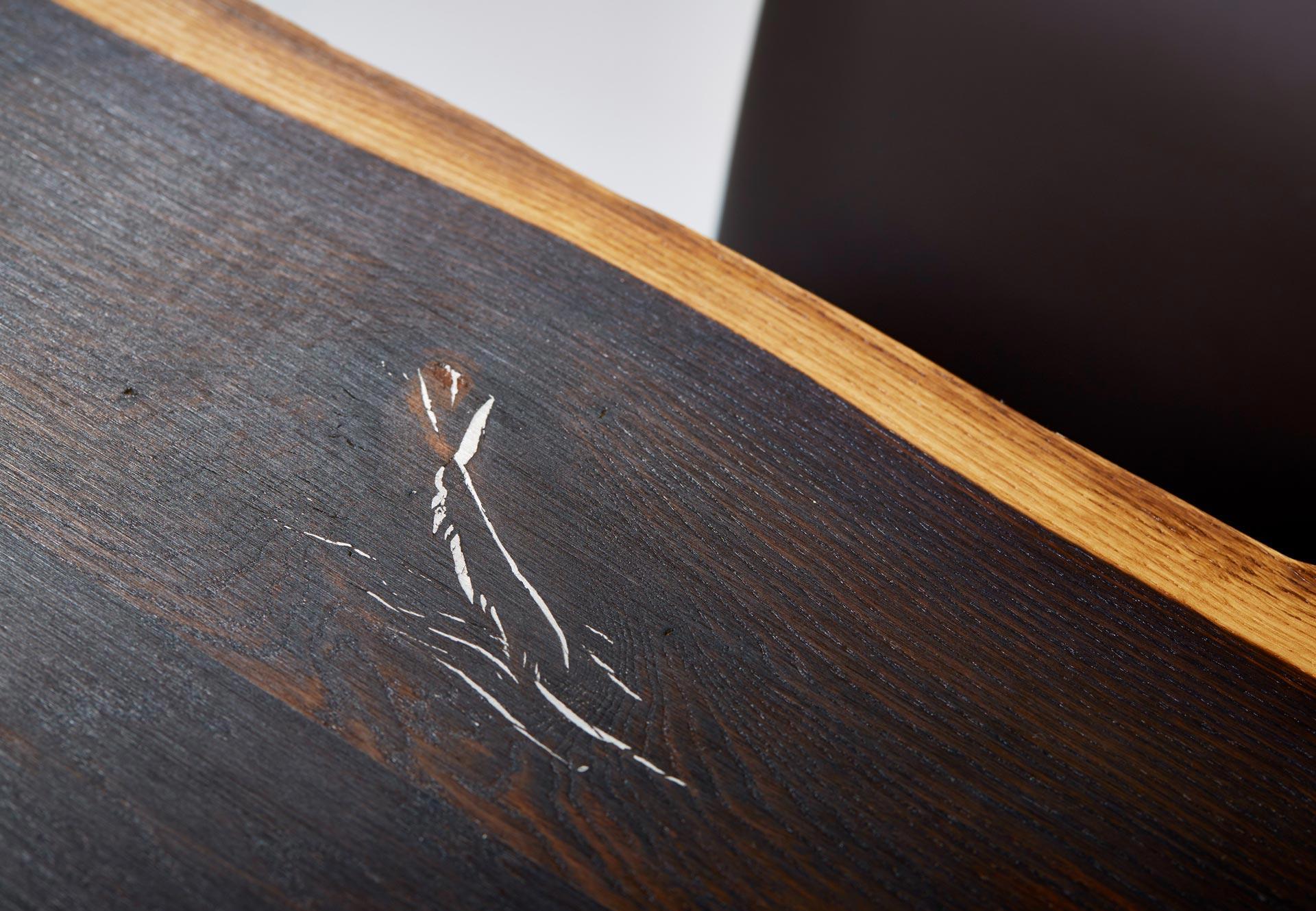 Esstisch Baumkante Räuchereiche mit Kufenfüße Tischplatte mit Zinneinlage